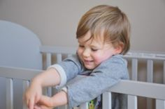 Mom's Guide: How to Buy a Crib For Your Baby
