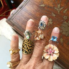 ✨✨BEAUTIFUL Fashion  ✨8 ringsBUNDLED Various sizes and one with a stretch band. They are fun. Some have never been worn. All 8 rings one price. Various Jewelry