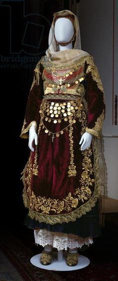 Bridal costume from Salamina Island Benaki Museum, Athens, Greece Credit to: Bridgeman Images Greek Traditional Dress, Traditional Fashion, Traditional Outfits, Costume Tribal, Folk Costume, Period Costumes, Dance Costumes, Greek Costumes, Historical Costume
