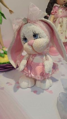 1 million+ Stunning Free Images to Use Anywhere Bunny Crafts, Easter Crafts, Foam Crafts, Diy And Crafts, Diy Ostern, Free To Use Images, Clay Figurine, Sewing Dolls, Clay Animals