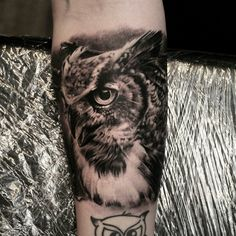 @fusionink_ca @zoitattoosthlm #RPS600 #revolutionneedles #tattoocyn #inkmachines #owl #fusionink #krimtattoo #zoitattoo #portrait #blackngray