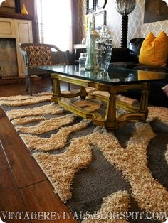 How to make a faux animal print rug...  Would be cool if I didn't have pets nor planned on ever having children.