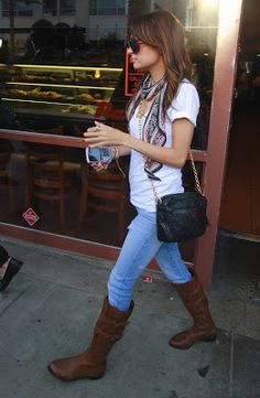 99f20aa21a5987 Nicole Richie wearing Tsubi Lean Bean jeans and .