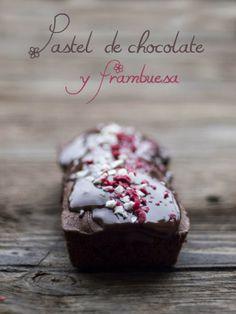 Bocados dulces y salados: Pastel de chocolate y frambuesa