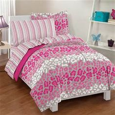 Full Pink Flower Power Comforter Set with Sheet Set and Sham in Groovy Floral Print