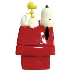 Dog House and Snoopy Salt and Pepper Shakers