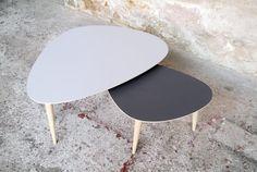 TABLE BASSE TRIPODE COULEUR ET DIMENSIONS SUR-MESURE, ESPRIT VINTAGE CRÉATION GENTLEMEN DESIGNERS, FABRIQUÉE EN FRANCE, MOBILIER FRANÇAIS http://www.gentlemen-designers.fr