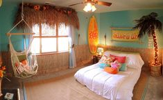 Beach bedroom ideas, with surf bedroom theme. Surf Bedroom, Beach Bedroom Decor, Bedroom Themes, Girls Bedroom, Bedroom Ideas, Surfer Girl Bedrooms, Beach Theme Rooms, Beach Themed Bedrooms, Themed Rooms