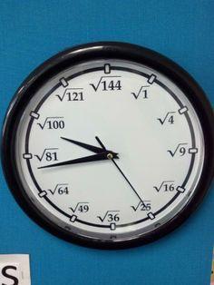 Here is a square root clock that can be made easily Mathematics Geometry, Physics And Mathematics, Love Math, Fun Math, Math Clock, High School Subjects, Nerd Jokes, Cool Clocks, Diy Clock