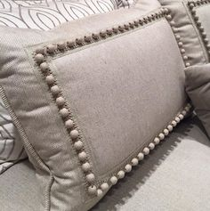 Samuel and Sons Passementerie - ideen - Cool Decorative Pillows Diy Pillow Covers, Decorative Pillow Covers, Bed Covers, Cushion Covers, Sewing Pillows, Diy Pillows, Throw Pillows, Samuel And Sons, No Sew Curtains