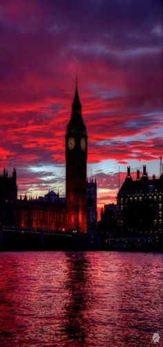 Big Ben, Red Sunset, Palace of Westminster in London by Bill Green. How elegant and inviting the city is at night. Places Around The World, Oh The Places You'll Go, Places To Travel, Around The Worlds, Big Ben London, Beautiful Sunset, Beautiful World, Beautiful Places, Red Sunset