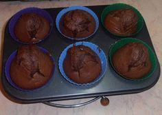 Σοκολατένια muffins με μία έκπληξη βαθειάαααα μέσα τους