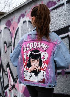 Articoli simili a Flower Composition Jacket su Etsy - God Damn Jacket 153 Hand painted jacket Mia Wallace on Jacket Pulp Fiction WOMAN S - Painted Denim Jacket, Painted Jeans, Painted Clothes, Hand Painted, Mia Wallace, Vintage Jacket, Vintage Denim, Custom Clothes, Diy Clothes