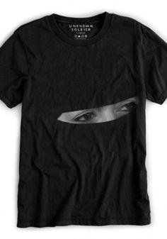 T-shirt with eyes Cool Tees, Cool Shirts, Tee Shirts, Blusas T Shirts, Swagg, Look Cool, Printed Shirts, Shirt Style, Shirt Designs