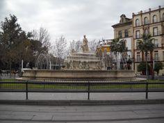 This fountain is in the Puerta de Jerez - Este fuente esta en la Puerta de Jerez