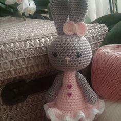 Eprecske - horgolt húsvéti nyuszi lány (MySweetGurumi) - Meska.hu Teddy Bear, Toys, Animals, Amigurumi, Activity Toys, Animales, Animaux, Clearance Toys, Teddy Bears