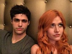 Matthew Daddario and Katherine McNamara Shes looking away like Screw you Your annoying and killed my mom Matthew Daddario, Katherine Mcnamara, Clary Y Jace, Clary Fray, Shadowhunters Tv Series, Shadowhunters The Mortal Instruments, Isabelle Lightwood, Alec Lightwood, Cassandra Clare