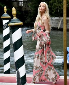 Anya Taylor Joy, Dior Haute Couture, Hollywood Icons, Girl Crushes, Beautiful Actresses, Editorial Fashion, Venice, Floral, Beauty
