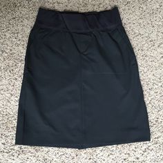 "GAP Maternity Black Pencil Skirt Size 0 GAP Maternity Black Pencil Skirt Size 0.  16"" from bottom of band.  Demi band.  Hip pockets.  Super cute & comfy! Only worn a few times. GAP Skirts Pencil"