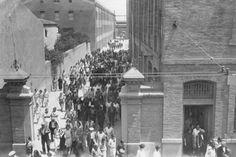 Fabra & Coats era una empresa de origen británico, de textil e hilaturas que se montó a finales del Siglo XIX en tres emplazamientos barceloneses, siendo una de las más importantes de España y viviendo un gran crecimiento hasta su declive a partir de los 80 del Siglo XX.