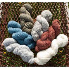 custom woolen mills - mule spinner sock yarn : light-wt or fine (work socks, fingering-style garments) - grey wool / white wool + mohair