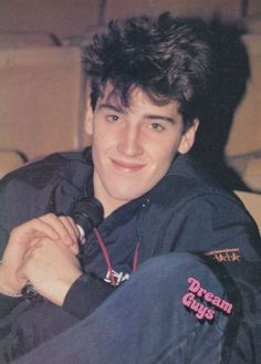 Jonathan Knight  this is cute.