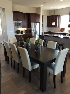 New Apartment Kitchen Layout Decor Ideas Dining Room Table Decor, Dining Room Design, Dining Room Furniture, Interior Design Living Room, Room Decor, Modern Dining Chairs, Dining Rooms, Apartment Kitchen, Home Decor Kitchen