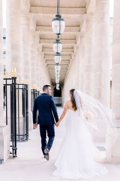 Beautiful Elopement in Paris Wedding Gifts For Bride, Wedding Blog, Destination Wedding, Paris France, Louvre, Paris Elopement, Eiffel, French Wedding Style, Paris Photos
