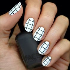 black & white grid nails #whiteandblack