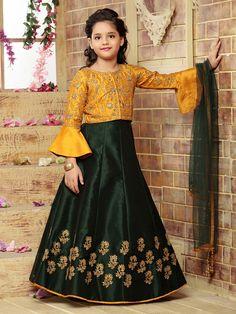 Girls Dresses Sewing, Stylish Dresses For Girls, Gowns For Girls, Stylish Dress Designs, Frocks For Girls, Dresses Kids Girl, Lehenga Choli Designs, Kids Lehenga Choli, Frock Design