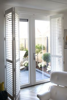 I love this beautiful cottage shutters Patio Door Shutters, Indoor Shutters, House Shutters, Window Shutters Inside, Cottage Shutters, Rustic Shutters, Bedroom Curtains With Blinds, Bedroom Doors, Patio Door Coverings