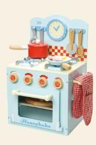 Dit houten keukentje kent u als de keuken van vroeger! van Willemientjes