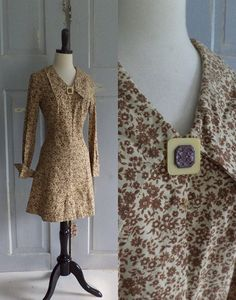 1970s Floral Mini  Dress with French Cuffs and Over sized Button $58.00