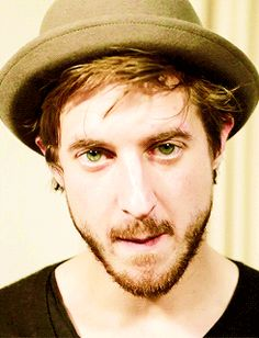 Arthur Darvill | 19 Lingering Gazes That Will Legit Make You Lose Your Train Of Thought