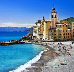 Camogli, Genova, Liguria Milano Giorno e Notte - We Love You! www.milanogiornoenotte.com