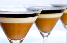 Coffee - Lemon Panna Cotta Parfait - Every now and again it& nice to bring . Table D Hote, Claudia S, Parfait Recipes, Biscuits, Chocolate Coffee, Gourmet Recipes, Gourmet Foods, Sweet Recipes, Sweets