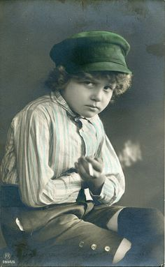 Child smoking a cigarette, ca 1912. Published by the Carlton Publishing Co., London E. C. Printed in Germany.