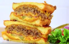 Een cheeseburger is vaak overheerlijk, mits-ie goed is bereid. Je kunt je cheeseburger echter nog lekkerder maken door er een cheeseburger-tosti van te maken...