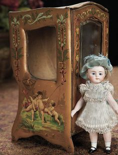 """7"""" (18 cm.) Antique Small French Sedan Chair for Tiny doll Mignonette with Cherub Designs, Luxury accessory, c.1890"""