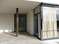 Villa Tugendhat - Mies van der Rohe Oscar Niemeyer, Architecture Design, Space, House, Furniture, Home Decor, Arquitetura, Floor Space, Homemade Home Decor