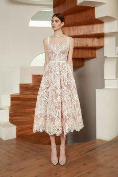 The Best Ideas for wedding themes colors red And White bridesmaid Baroness Bridal Midi Dress. Specially Design for Bridal. Elegant Dresses Classy, Classy Dress, Pretty Dresses, Beautiful Dresses, Romantic Dresses, Civil Wedding Dresses, Dresses To Wear To A Wedding, Bridal Dresses, Wedding Dress Midi
