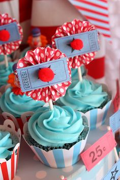 Carnival Party Cupcakes. Super cute and easy idea