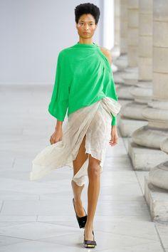 Véronique Leroy Spring 2018 Ready-to-Wear Collection Photos - Vogue