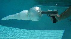 Impresionantes fotos de disparos bajo el agua | Saber de fotografía es facilisimo.com
