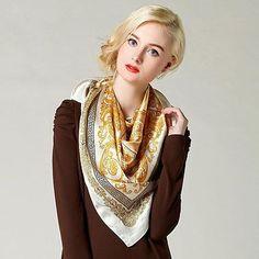 Elegantná dámska hodvábna šatka v zlatých odtieňoch (2)