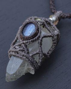 ヒマラヤ水晶+カイヤナイト/ネックレス - 天然石アクセサリー販売-Freaky Hands(フリーキーハンズ)