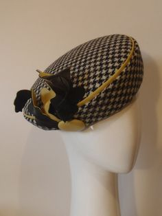 Genuine Harris Tweed black and white hounds tooth check women s beret with  butter 919dafc5a927