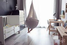 Pokój dziecięcy przedszkolaka | Children's room design for preschooler  Huśtawka dziecięca | Baby swing - IKEA Ekorre   Łóżeczko | Crib - Pinio Moon  Biurko | Desk - IKEA Flisat  Półeczki na zabawki | Toy storage  Projektowanie wnętrz | Interior design  Blog parentingowy | Parenting blog  Blogger Ikea, Design Blog, Boy Room, Bassinet, Kids Bedroom, Bean Bag Chair, Babe, Desk, Furniture
