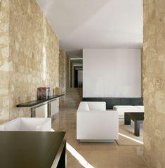Interiorismo de una casa de piedra