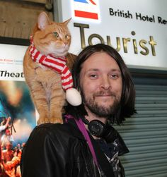 The famous duo spotted by a French fan passing through London - from FB page James Bowen & Street Cat Bob